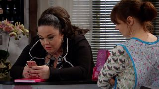 Mandy wonders if Vinny has a girlfriend in Emmerdale
