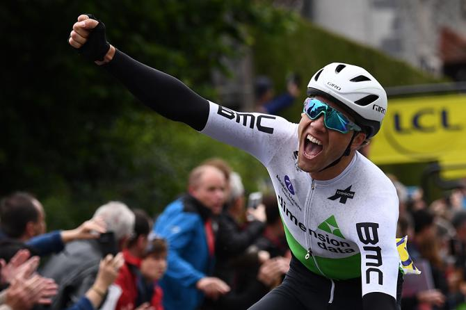 Edvald Boasson Hagen (Dimension Data) wins the opening stage at Criterium du Dauphine
