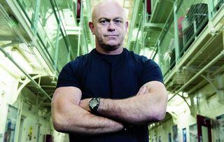 Ross Kemp Behind Bars