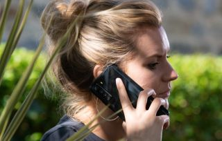 Dawn makes a phone call