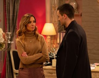 Andrea gets advice from Nick in Emmerdale