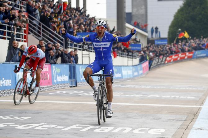 Philippe Gilbert wins Paris-Roubaix