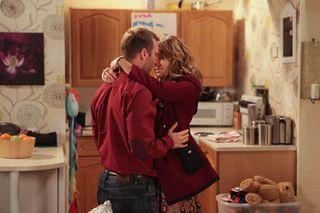 "Corrie's Charlie: 'Marcus sleeps with Maria!"""