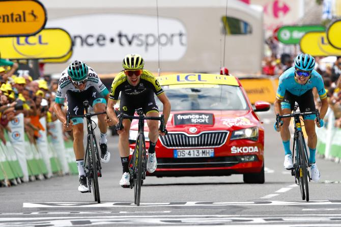 Simon Yates beats Pello Bilboa and Gregor Mühlberger to win stage 12 at the 2019 Tour de France