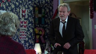 Coronation Street spoilers: ArthurMedwin has an offer for Evelyn