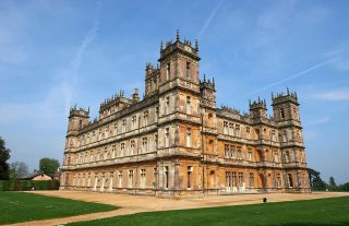 Downton Abbey filming location Highclere Castle