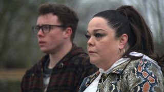 Will Mandy pay up in Emmerdale
