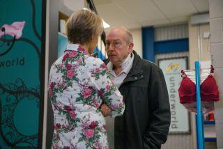 Coronation Street spoilers: Geoff Metcalfe threatens Sally?