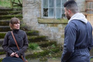 Rhona approaches Nate in Emmerdale