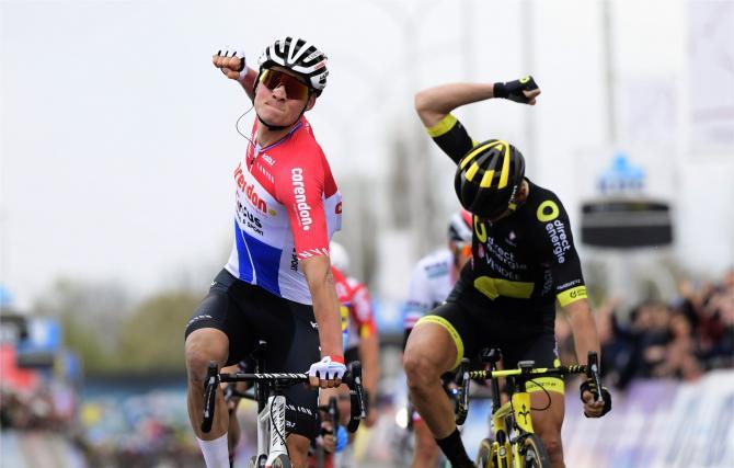 Mathieu van der Poel denies Anthony Turgis, takes his first WorldTour win at Dwars door Vlaanderen