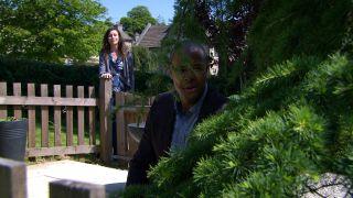 Al and Chas flirt harmlessly in Emmerdale